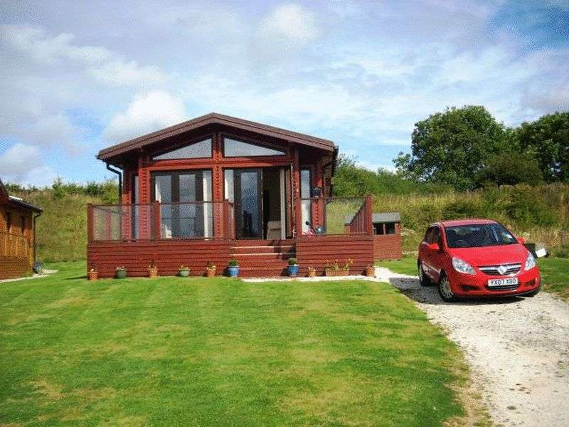 2 Bedrooms Property for sale in 12 Saxon Park, Crossgates, Scarborough, North Yorkshire, Y012 4ND
