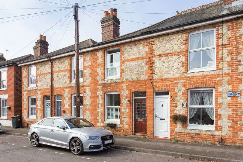 2 Bedrooms Terraced House for sale in Lymbourn Road, Havant