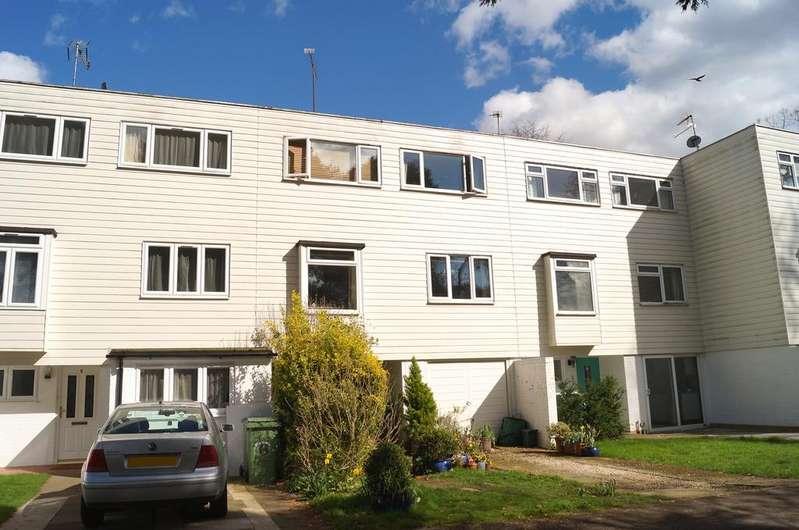 4 Bedrooms Town House for sale in Warren Way, Weybridge, Surrey, KT13
