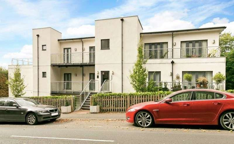 2 Bedrooms Flat for sale in Mount Harry road, Sevenoaks, Kent, TN13