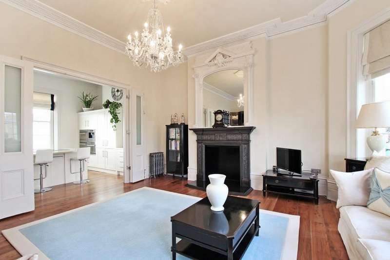 3 Bedrooms Maisonette Flat for sale in Liverpool Terrace, Worthing, West Sussex, BN11