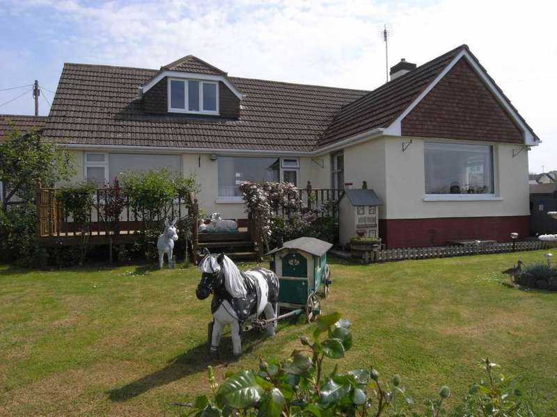 4 Bedrooms Detached Bungalow for sale in West Yelland, Barnstaple
