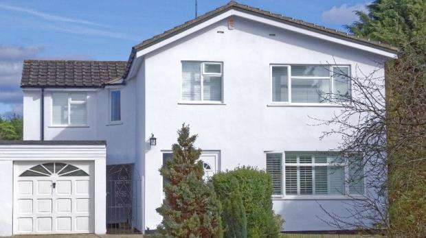 4 Bedrooms Detached House for sale in Carlton Road, Caversham, Reading