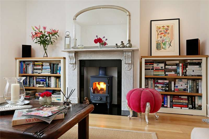 5 Bedrooms Semi Detached House for sale in Ramillies Road, London, W4