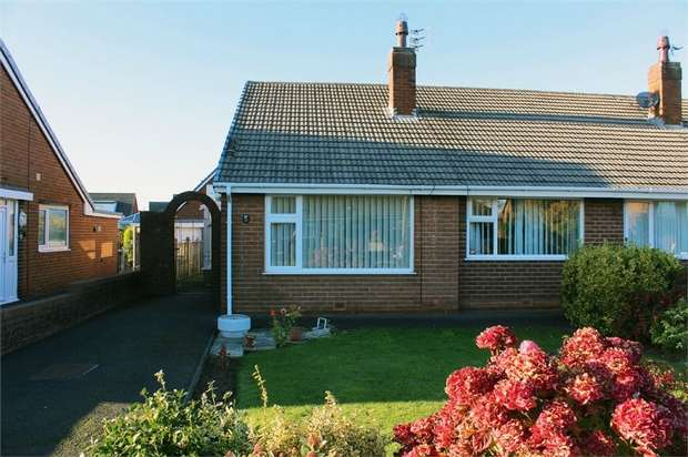 2 Bedrooms Semi Detached Bungalow for sale in Gisburn Avenue, Lytham St Annes, Lancashire