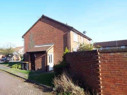 1 Bedroom Terraced House for sale in Vanbrugh Drive, Houghton Regis, Dunstable, Bedfordshire