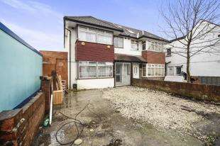 4 Bedrooms End Of Terrace House for sale in Osborne Road, Thornton Heath