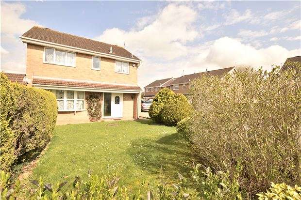 4 Bedrooms Link Detached House for sale in Nicholettes, North Common, BS30 8YF