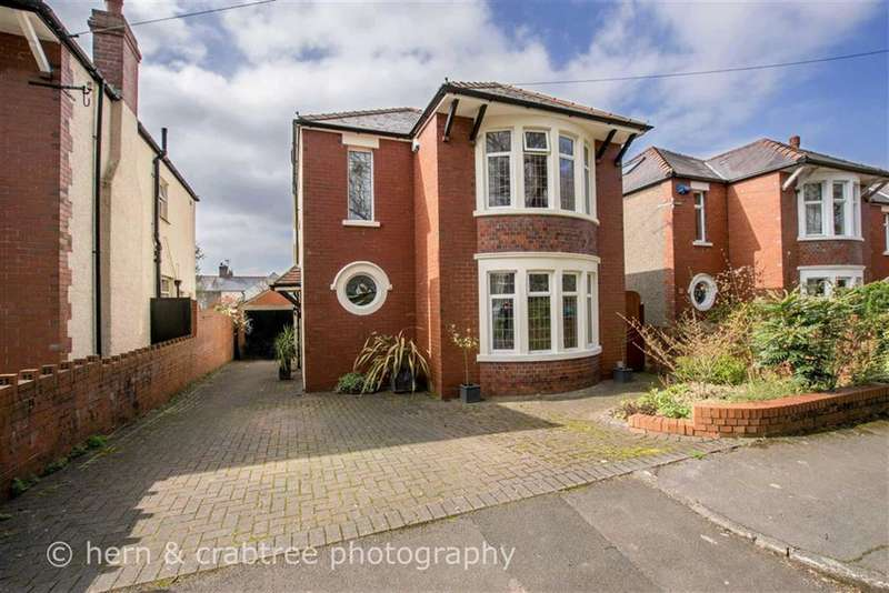 3 Bedrooms Property for sale in Insole Grove West, Llandaff, Cardiff