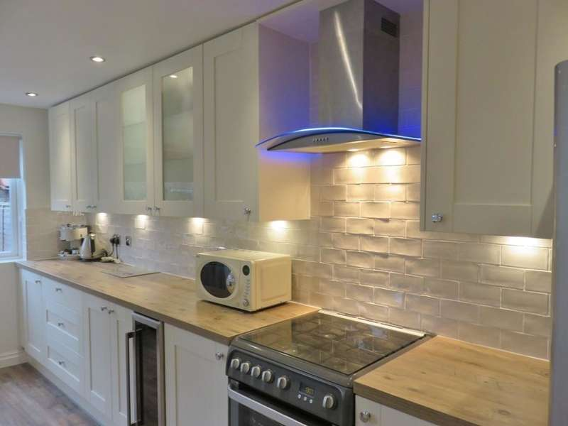 3 Bedrooms House for sale in Victoria Avenue, HULL, HU5 3EF