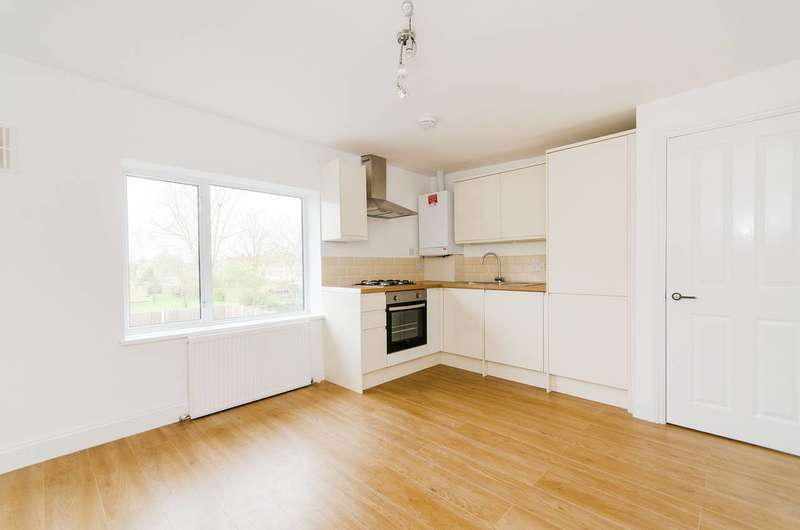 1 Bedroom Flat for sale in Courtenay Avenue, Harrow Weald, HA3
