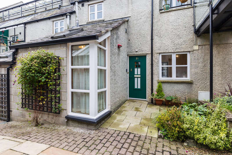 2 Bedrooms Flat for sale in 21 Websters Yard, Kendal, Cumbria LA9 4HA