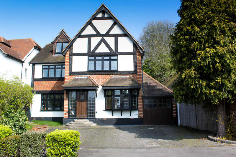 6 Bedrooms Detached House for sale in The Dell, Woodford Green