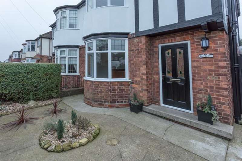 3 Bedrooms Semi Detached House for sale in Gloucester Avenue, Grimsby, Lincolnshire, DN34