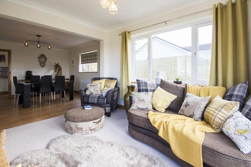 3 Bedrooms Detached Bungalow for sale in Rhos Y Bryn , Cefneithin