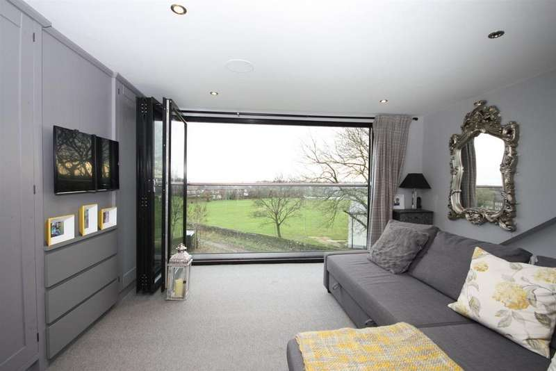 4 Bedrooms Town House for sale in Lakeside Chase, Rawdon