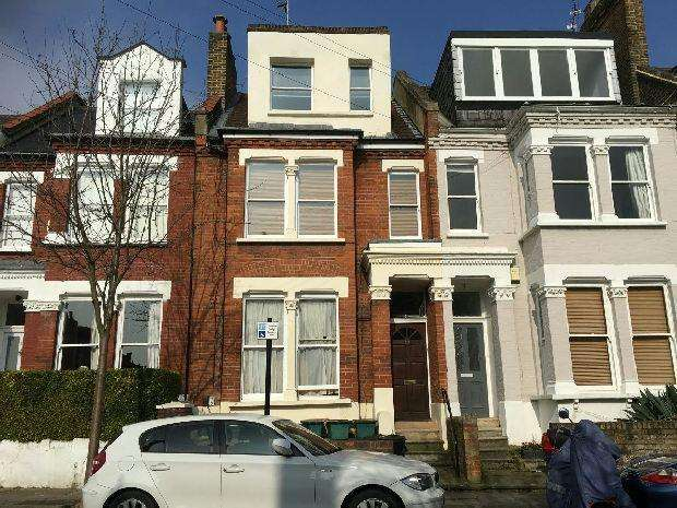 2 Bedrooms Maisonette Flat for sale in PAROLLES ROAD Whitehall Park N19 3RE