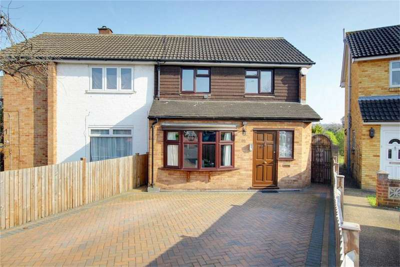 3 Bedrooms Semi Detached House for sale in Oakwood Hill, Loughton, Essex