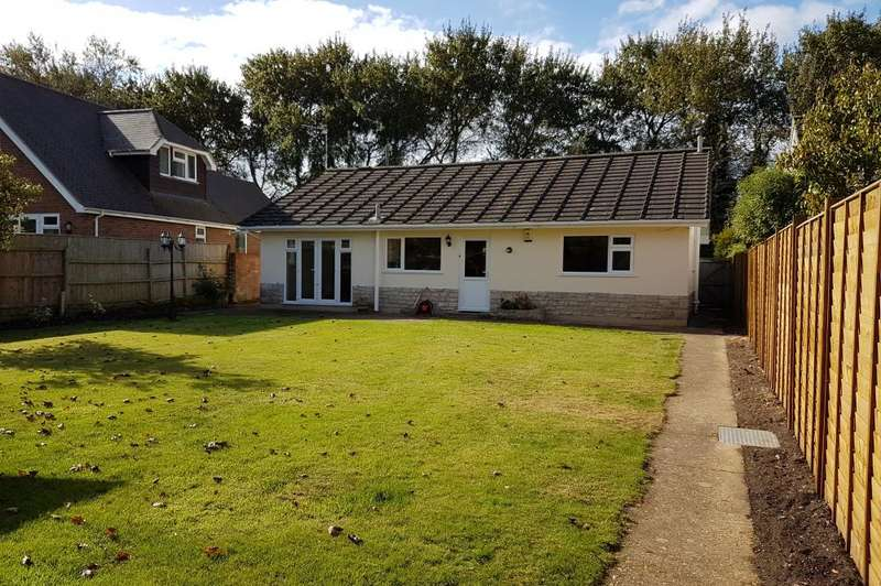3 Bedrooms Detached Bungalow for sale in Stoney Lane, Burton, Christchurch, BH23 7LD