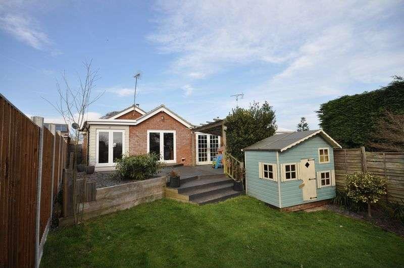 3 Bedrooms Detached Bungalow for sale in Elmwood Drive, West Mersea