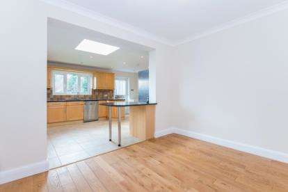Bungalow for sale in Kingswell Ride, Cuffley, Potters Bar, Hertfordshire