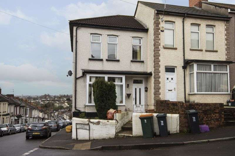 3 Bedrooms Terraced House for sale in Brynglas Crescent, Newport