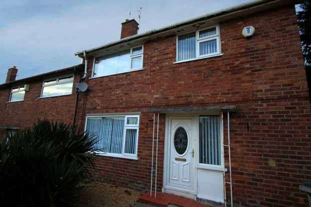 3 Bedrooms Semi Detached House for sale in Prenton Hall Road, Prenton, Merseyside, CH43 3BL