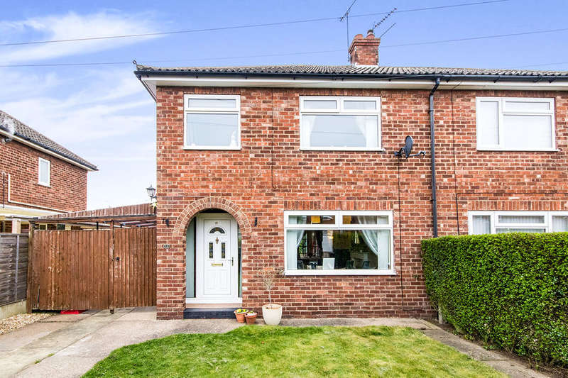 3 Bedrooms Semi Detached House for sale in Berkeley Avenue, Lincoln, LN6