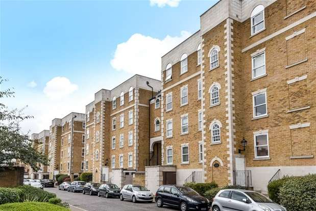 3 Bedrooms Flat for sale in Mountbatten Court, 153A Rotherhithe Street, Rotherhithe Street