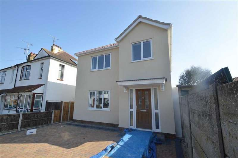 3 Bedrooms Detached House for sale in Westbury Road, Southend On Sea, Essex