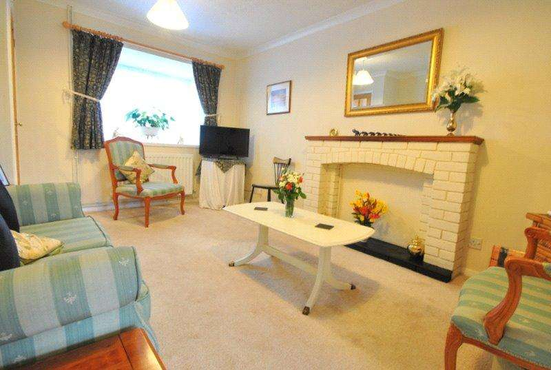 2 Bedrooms Terraced House for sale in Harvey Close, North Worle, Weston-super-Mare, North Somerset, BS22