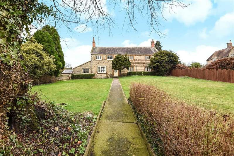 4 Bedrooms Detached House for sale in Main Street, Denton, Northampton, Northamptonshire, NN7
