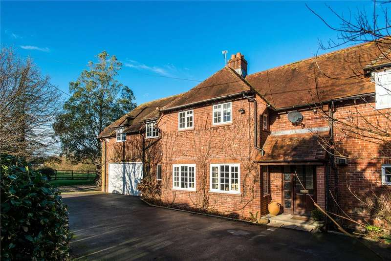 4 Bedrooms Detached House for sale in Shillingstone Lane, Okeford Fitzpaine, Blandford Forum, DT11