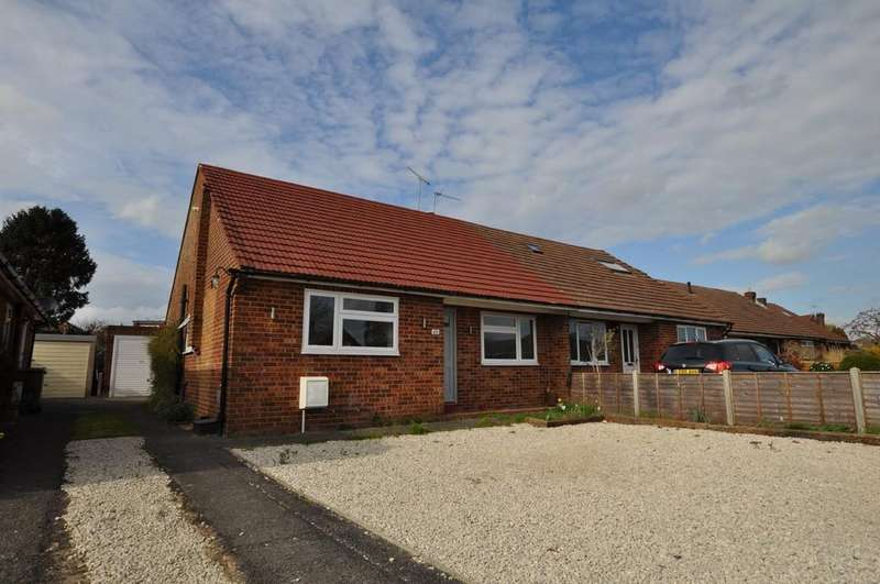 2 Bedrooms Semi Detached Bungalow for sale in Queenhythe Road, Jacob's Well