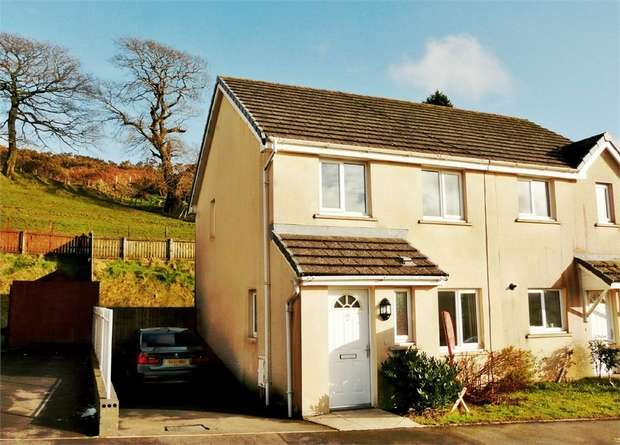 3 Bedrooms Semi Detached House for sale in Heol Llwynffynon, Llangeinor, Bridgend, Mid Glamorgan