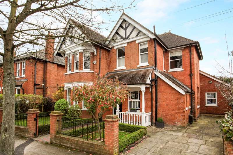4 Bedrooms Detached House for sale in St. Albans Avenue, Weybridge, Surrey, KT13