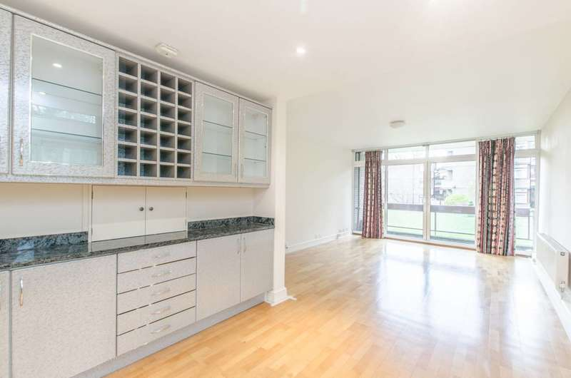 2 Bedrooms Flat for sale in Oakhill Park, Hampstead, NW3