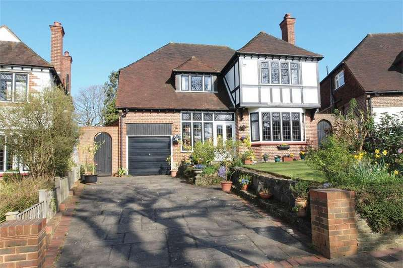 4 Bedrooms Detached House for sale in Broadoaks Way, Bromley, Kent