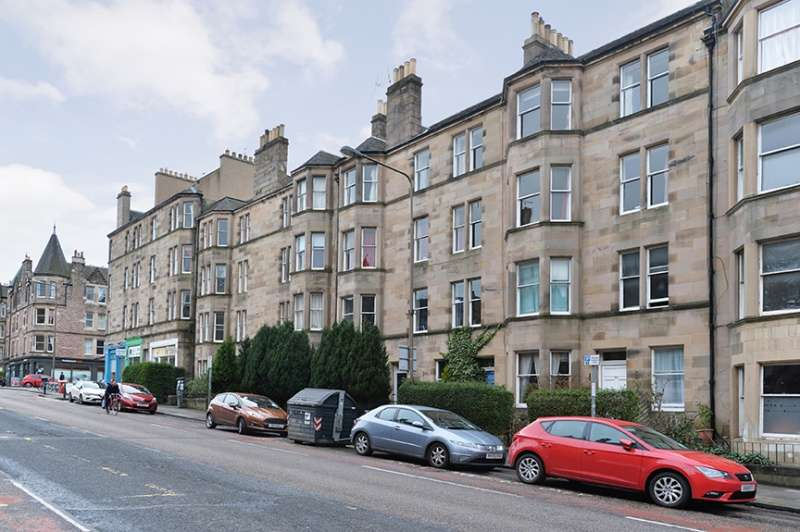 3 Bedrooms Flat for sale in Marchmont Road, Marchmont, Edinburgh, EH9 1HR
