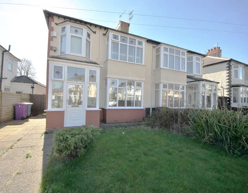 3 Bedrooms Semi Detached House for sale in Oakland Road, Aigburth, Liverpool. L19 9DU