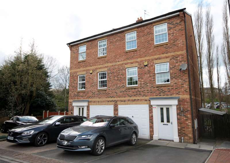 4 Bedrooms Town House for sale in Waterside Gardens, York, YO31 9BF