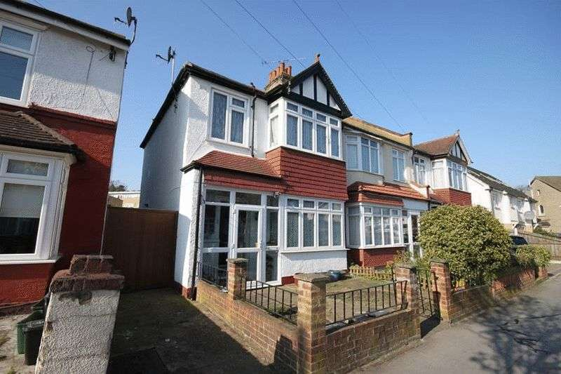 3 Bedrooms Terraced House for sale in Teevan Road, Croydon