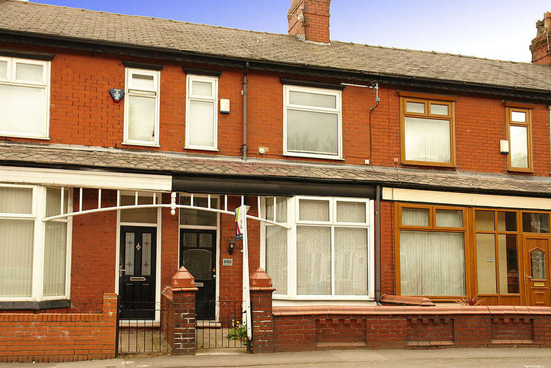 3 Bedrooms Terraced House for sale in 650 Middleton Road, Chadderton, Oldham