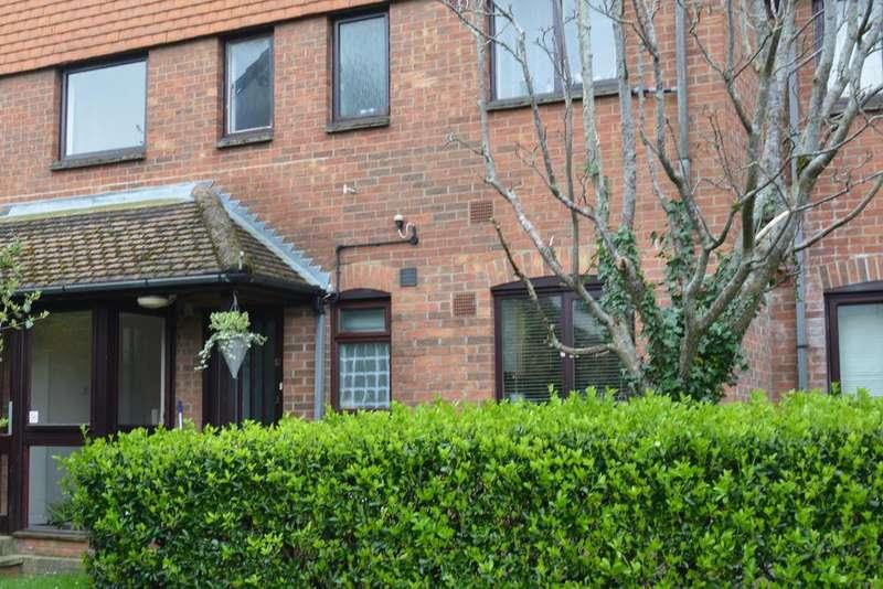 1 Bedroom Flat for sale in Salisbury Mews, Fordington, Dorchester DT1