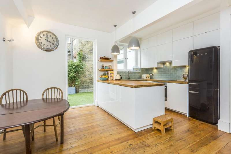 4 Bedrooms Terraced House for sale in Galloway Road, Shepherds Bush, London, W12