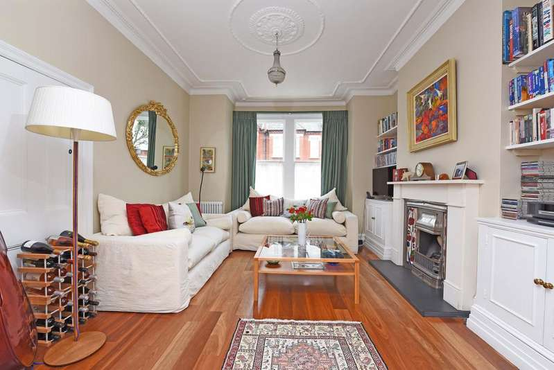 6 Bedrooms Terraced House for sale in Manchuria Road, SW11