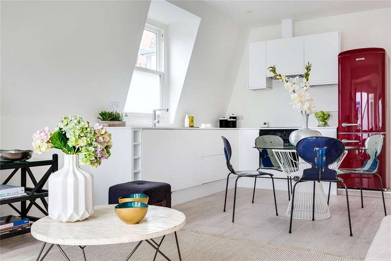 2 Bedrooms Flat for sale in Elmfield Mansions, Elmfield Road, London