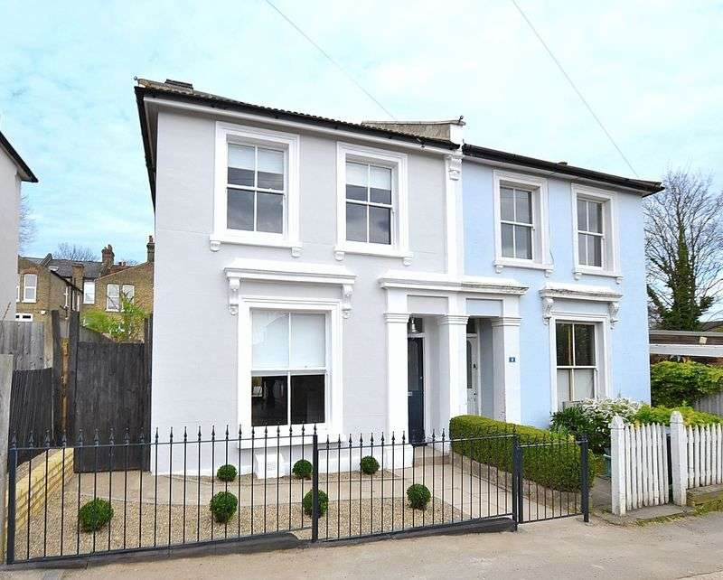 3 Bedrooms Semi Detached House for sale in Kelvin Grove, SE26