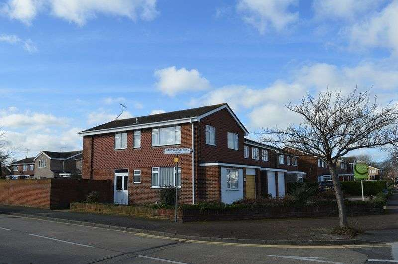 4 Bedrooms Detached House for sale in Barnstaple Road, Southend-On-Sea