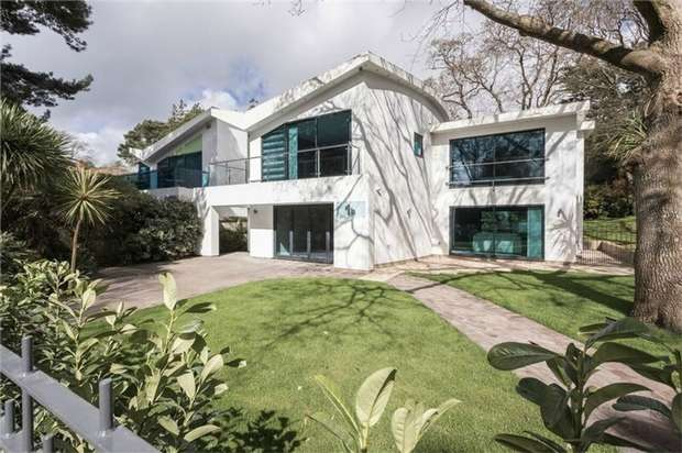 4 Bedrooms Detached House for sale in 1b Mount Grace Drive, Evening Hill, Poole